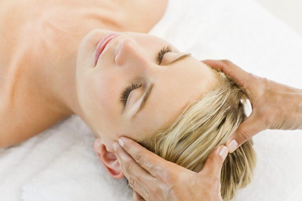 Masajul indian al scalpului - centrul AromaBach